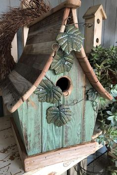 Bird House Kits Make Great Bird Houses Decorative Bird Houses, Bird Houses Diy, Fairy Houses, Bird House Plans, Bird House Kits, Bird House Feeder, Bird Feeders, Green Facade, Bird Aviary