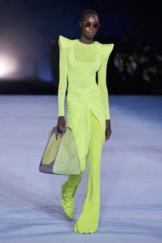 Fashion Week, Fashion 2020, Runway Fashion, High Fashion, Fashion Beauty, Fashion Show, Fashion Outfits, Womens Fashion, Fashion Trends