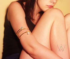 Handmade armband/bronze/hammered/Swarovski by CrownedCharm on Etsy