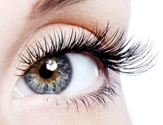 Castor oil for natural eyelash growth -- LOVE how great this works!!!