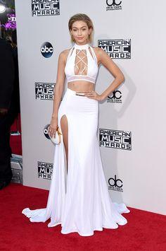 Os looks da Jennifer Lopez no American Music Awards 2015 - Gigi Hadid American Music Awards 2015, Celebrity Red Carpet, Celebrity Style, Celebrity Dresses, Celebrity Gossip, Celebrity Pictures, Trendy Dresses, Nice Dresses, Style Gigi Hadid