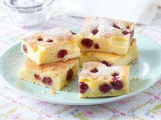 Kleckselkuchen mit Pudding & Kirschen Rezept | LECKER