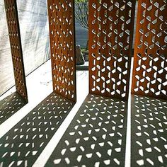 Corten steel laser cut screen: these would be cool as pivoting sun control fins Screen Design, Metal Cortado A Laser, Decorative Metal Screen, Perforated Metal Panel, Laser Cut Screens, Outdoor Screens, Timber Screens, Laser Cut Metal, Front Yard Fence
