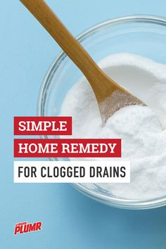 Need to clear your drain without a trip to the store? Try this simple home remedy using baking soda & vinegar. If that doesnt work Liquid-Plumr will get the job done. Baking Soda Cleaner, Baking Soda Vinegar, Baking Soda Beauty Uses, Baking Soda Uses, Drain Cleaner, Keep It Cleaner, Home Remedies, Natural Remedies, What Is Baking