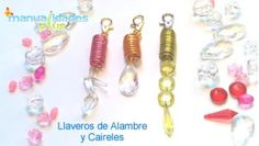 Cómo hacer Llaveros con alambre y caireles Wire Wrapping, Jewelry Making, Crafty, Drop Earrings, Personalized Items, Diy, Ideas, How To Make Keychains, Necklaces