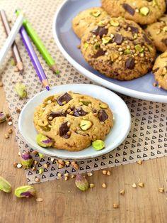 Une recette originale de cookies sans gluten aussi beaux que bons avec des pistaches et du sarrasin Cookies Sans Gluten, Desserts, Food, Pistachios, Rice Flour, Buckwheat, Gluten Free Recipes, Original Recipe, Tailgate Desserts