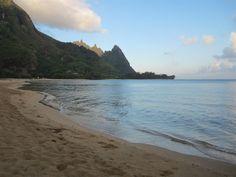 Tunnels (Makua) Beach: Snorkeling heaven. Close to princeville.