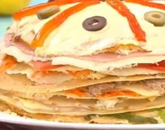 Torre de panqueques Pancakes, Crepes, Breakfast, Drink, Food, Ideas, Chocolate Torte, Cooking Recipes, Food Cakes