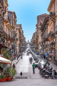 Via Garibaldi Catania Sicilia. Walked this street so often! Loved it. :) #catania #sicilia #sicily