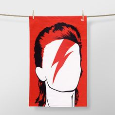 Man of many faces: David Bowie, Ziggy Stardust, Aladdin Sane, and David Jones, perfect for the dedicated Bowie fan! Aladdin Sane, David Bowie, Rockett St George, Quirky Decor, Major Tom, Ziggy Stardust, Red Candy, Blog Deco, Music Icon