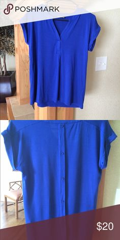 👑Royal blue dress top👛. Never been worn🤗 🍁🍁Viscose material, buttons going down the back of top 🍂🍂 Cable & Gauge Tops Blouses