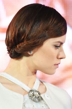 Forget Leia Buns, Daisy Ridley's Side Chignon Is Next-Gen Hero Hair #refinery29  http://www.refinery29.com/2015/12/99285/daisy-ridley-hair-tutorial