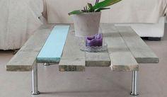 Planches de bois de palette décalées pour la fabrication d'une table basse originale