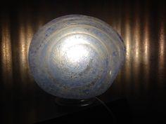Vistosi - rara lampada da tavolo a forma di conchiglia, in vetro corroso azzurro. Murano, Italia. Anni '60.