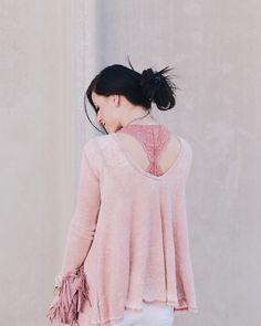 RobynVilate Blog: peekaboo lace bralette