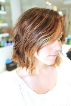 if only I could embrace (and beautify) my ridiculously ugly, wavy hair. Hair Color And Cut, Haircut And Color, Short Hair Cuts, Short Hair Styles, Braided Hairstyles, Cool Hairstyles, Hairstyle Ideas, Brown Hair With Highlights, Subtle Highlights