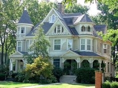 This is a fine example of a large Victorian story house.Back in the day,several generations of family would live in a house like this. Victorian House Plans, Victorian Style Homes, Victorian Houses, Victorian Decor, Victorian Era, Style At Home, Country Style Homes, Rustic Living Room Furniture, American Houses