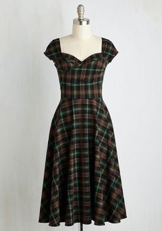 Pine All Mine Dress in Earthy Plaid. Bring the beauty of the coniferous forest to your wardrobe with this retro dress by Stop… Pin Up Dresses, Fall Dresses, Plus Size Dresses, Cute Dresses, Fashion Dresses, Skater Dresses, Long Dresses, Dress Long, Dresses Online