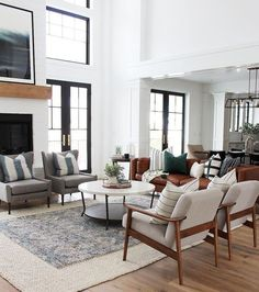 Thanks for visiting our farmhouse living room photo gallery where you can search lots of farmhouse living room design ideas. This is our farmhouse living room design gallery where you can browse the… Living Room Inspiration, Retro Living Rooms, Living Room Flooring, Farm House Living Room, Farmhouse Decor Living Room, Family Room, Farmhouse Living, Living Decor, House Interior