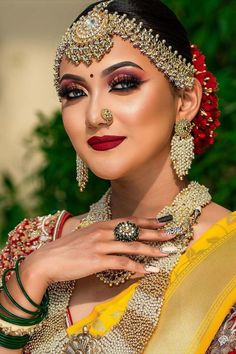 """""""To nail that wedding look, every bride-to-be remains on a constant lookout for that perfect Indian bridal makeup look. Every day social media is flooded with various makeup trends, and you need to be careful before with your bridal look. From traditional bridal look to minimal makeup, check out Our Favorite 51 Indian Bridal Makeup Looks before selecting yours. """""""