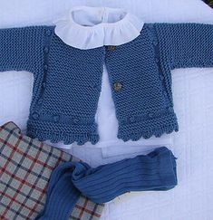 Diy Crafts - Ideas For Crochet Sweater Vest Children crochet Baby Boy Cardigan, Baby Vest, Baby Girl Patterns, Baby Knitting Patterns, Skirt Pattern Free, Pull Bebe, Winter Sweater Outfits, Quick Knits, Baby Sweaters