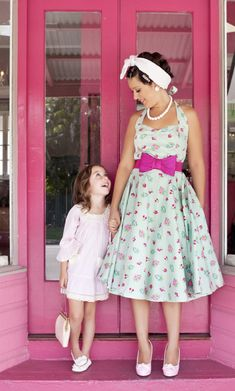 this would be my uniform every day vintage pretty dresses :)