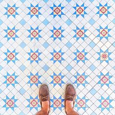 Looking down for a visual refreshment on this scorching hot day in London! #MakeYouSmileStyle #ihavethisthingwithfloors