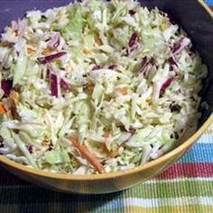 Coleslaw saláta (amerikai káposztasaláta) Receptek a Mindmegette. Veggie Recipes, New Recipes, Salad Recipes, Vegetarian Recipes, Cooking Recipes, Soup Recipes, Healthy Recipes, Good Food, Yummy Food
