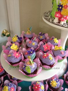 ,LKKCooelst Tinkerbell Cake and Cupcakes... This website is the Pinterest of birthday cake ideas
