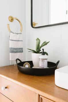 Modern Home Decor Interior Design Living Room Decor Traditional, Traditional Bathroom, Traditional Decor, Bathroom Interior Design, Decor Interior Design, Interior Decorating, Decorating Ideas, Decor Ideas, Minimal House Design
