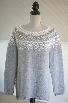 Free pullover sweater knitting pattern Selja by Katrine  #knitting #knittingpatterns #freeknittingpatterns #knittingsweater