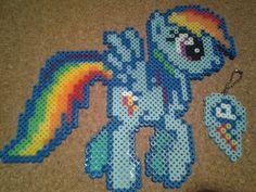 sandylandya@outlook.es  MLP Rainbow Dash perler beads by Craft Geek from Gallifrey