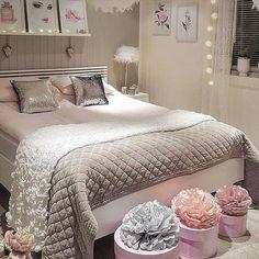 Cozy Small Bedrooms, Pink Bedrooms, Inspire Me Home Decor, Woman Bedroom, Bedroom Color Schemes, Interior Design Living Room, Room Interior, My New Room, Beautiful Bedrooms