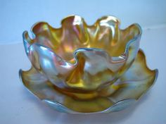 Art Glass, Signed L. C. Tiffany favrile finger bowl and underplate. Beautiful iridescence!