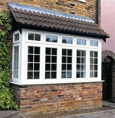 How double glazed windows offer more benefits than common windows? Many people today make certain that their houses experience the convenience of double glazing. For some they know the advantages and. Casement Windows, Windows And Doors, Bay Windows, House Front Design, Door Design, Bay Window Exterior, Bay Window Design, Glass Porch, Sunroom Addition