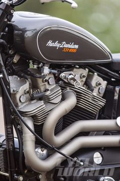 Racing Cafè: Harley XR 1000 Street Tracker by Mule Motorcycles Triumph Motorcycles, Harley Davidson Motorcycles, Custom Motorcycles, Custom Bikes, Custom Baggers, Sportster Cafe Racer, Hd Sportster, Harley Davidson Art, Harley Davidson Street Glide