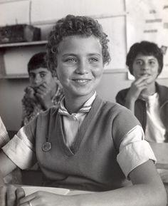 vintage everyday: 21 Amazing Vintage Photos of Israeli Students Learning After World War II