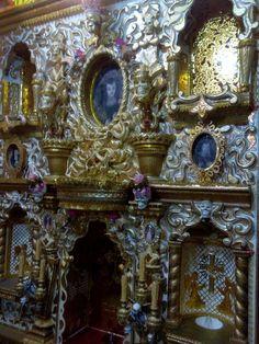 Retablo/Altar de Día de Muertos Cartonería Tradicional Autor: Rodolfo Villena Hernández 2.0 x 3.0 mts. Puebla, Pue. 2016