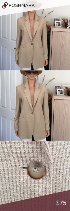 NWT...Leyla Mitra silk and wool blazer Leyla Mitra ... quality tan and cream fully lined one button blazer, size 8, 45% silk, 36% worsted wool, 100 acetate lining, extra buttons, vintage, excellent condition, 3 buttons on cuffs, 3 pockets, see photos, no trade, no pp, smoke and free environment. Leyla Jackets & Coats Blazers
