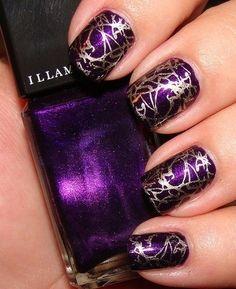 Purple glittery cracking nailpolish