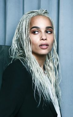 [/b] Zoe Kravitz for YSL Beauty [b]The Look:[/b] Zoe's official portrait to announce she has become an ambassador for YSL Beauty is simply stunning. Natural, fresh and ultra pretty, this photo really captures Zoe's approach to beauty. Lisa Bonet, Zoe Kravitz Style, Lenny Kravitz, Zoe Kravitz Age, Ysl Beauty, Hair Beauty, Hair Inspo, Hair Inspiration, Zoe Kravitz Braids