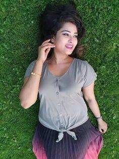 Sherin Beautiful Girl Photo, Beautiful Girl Indian, Most Beautiful Indian Actress, Girl Photo Poses, Girl Photos, Beauty Full Girl, Beauty Women, Indian Photoshoot, India Beauty
