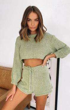 Crochet Clothes, Diy Clothes, Jumper Outfit, Crochet Fashion, Looks Style, Lounge Wear, Ideias Fashion, Knitwear, Cute Outfits