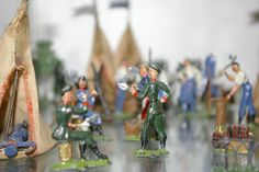A histroy on George Heyde figures. Heyde made toy soldiers and figures since 1870 and became famous all over the world. With many pictures and facts.