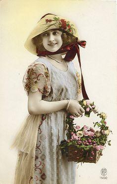 Vintage lady with bonnet