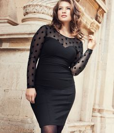 All black outfit - little black dress with dots. Curvy plus size fashion. Curvy Girl Fashion, Fashion Mode, Look Fashion, Plus Size Fashion, Autumn Fashion, Fashion Hair, Fashion News, Xl Mode, Mode Plus