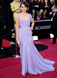 2011 OSCARS: Mila Kunis looked beautiful in her ELIE SAAB Haute Couture lavender gown! best of Elie Saab, love it! Oscars Red Carpet Dresses, Red Carpet Gowns, Mode Style, Style Blog, Robes Elie Saab, Traje Black Tie, Oscars 2011, Robes D'oscar, Best Oscar Dresses
