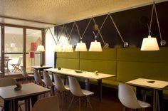 Frühstücksraum #architecture #interior #hotel #chalet #apartment Architekt: HolzBox Tirol, Foto: Gerda Eichholzer Box, Conference Room, Architecture, Interior, Table, Furniture, Design, Home Decor, Apartments