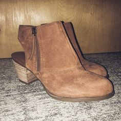 F R A N C O  S A R T O  B O O T I E S Brand new without tags! Small scuffing and abrasion adds a rustic looks to these suede ankle booties. Adorable. Size 7, fits more like a 6.5. Feel free to make an offer, or add to a bundle for a bigger discount! Franco Sarto Shoes Ankle Boots & Booties