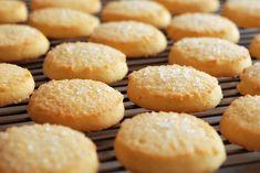 Lemon and Ginger Biscuits / Cookies Sugar Biscuits Recipe, Shortbread Biscuits, Shortbread Recipes, Biscuit Cookies, Biscuit Recipe, Homemade Shortbread, Easy Sugar Cookies, Christmas Sugar Cookies, Sweets